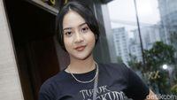Anya Geraldine Belajar Pakai Hijab ke Ria Ricis, Netizen Kompak Bilang Cantik