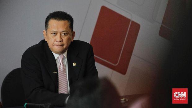 Ketua DPR RI Bambang Soesatyo di acara peringatan Hari Anti Korupsi Sedunia (Hakordia) 2018, di Hotel Bidakara, Jakarta, Selasa (4/12). (CNN Indonesia/Adhi Wicaksono)