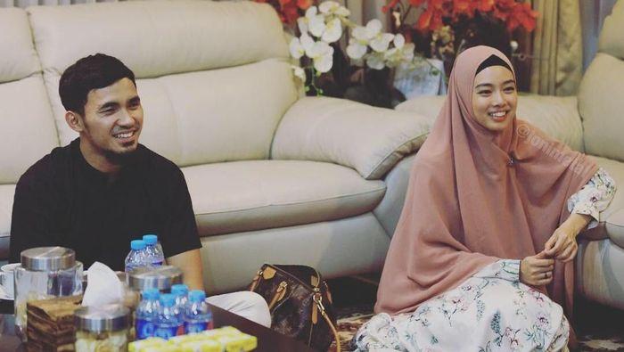 Lindswell Kwok dan Achmad Hulaefi akan menikah malam ini. (Foto: JoniMetal)