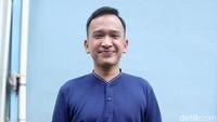 Keseringan Cuci Tangan, Ruben Onsu Makan Nasi Padang Rasa Hand Sanitizer