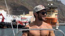 Foto: Oliver Baggerman, Model Ganteng Spanyol yang Suka Selfie di Pantai