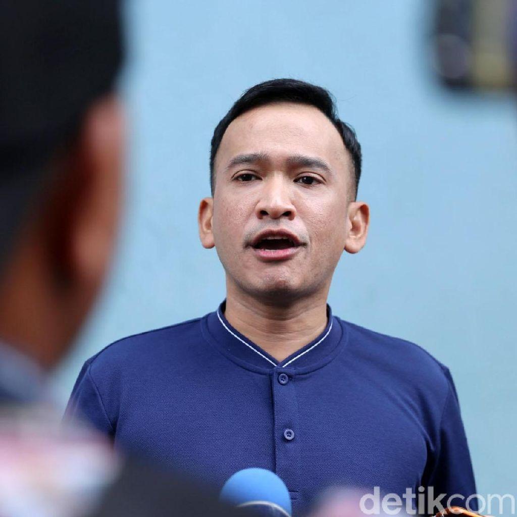 Rumahnya Dilempar Batu, Ruben Onsu Ogah Menduga-duga Identitas Pelaku