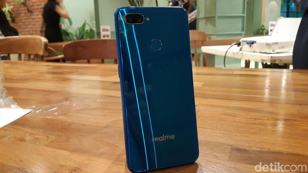Realme Siapkan Ponsel Kamera 48 MP
