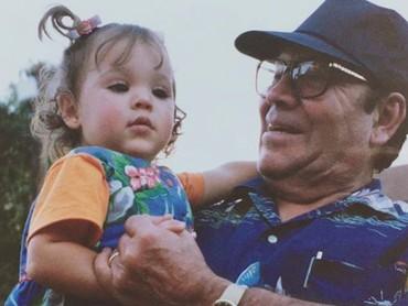 Wah, usia Danna Paola berapa tahun ya saat itu? Imut banget! (Foto: Instagram/dannapaola)