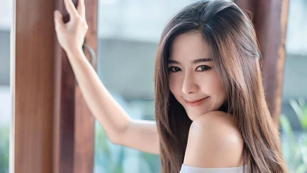 Kepincut Pesona Selebgram Cantik Thailand yang Senyumannya Bikin Meleleh