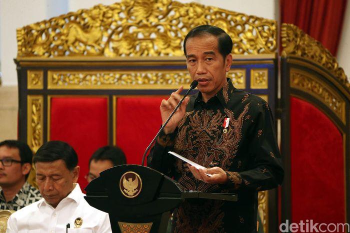 Presiden Joko Widodo (Jokowi) menginstruksikan kepada seluruh menteri kabinet kerja untuk mengubah fokus kerja di tahun 2019.