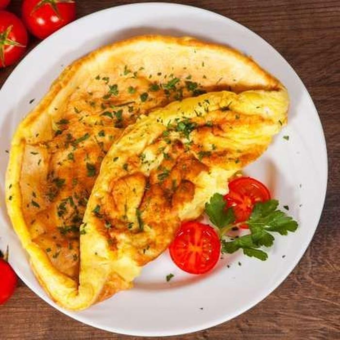 Harga omelet yang berisi ham, kaju, bawang, dan cabai hanya dibuat dengan bahan senilai $1.3. Tapi omelet yang berisi bayam, jamur, dan keju Brie harganya bisa mencapai $9 (Rp 129 ribu). Harganya jadi naik sebanyak 471 kali lipat ya. Foto: Istimewa