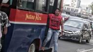 Hore! Sopir Taksi hingga Kernet Bus Dapat Rp 600.000/Bulan