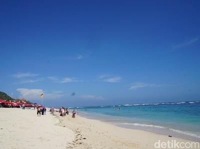 Favoritnya Anak Sekolah di Bali: Pantai Pandawa