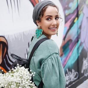 Mengaku Bukan Lagi Hijabers, Begini Gaya Blogger Cantik Ascia Akf Sekarang