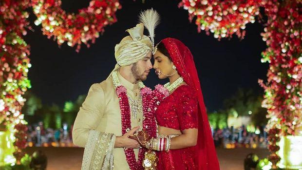 Pernikahan Nick Jonas dan Priyanka Chopra Penuh Air Mata