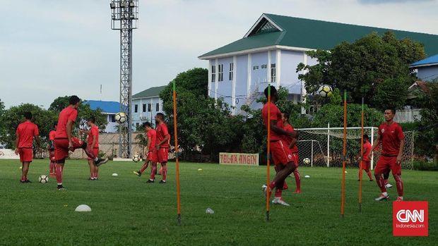 Persija Jakarta terakhir kali juara Liga Indonesia pada 2001.