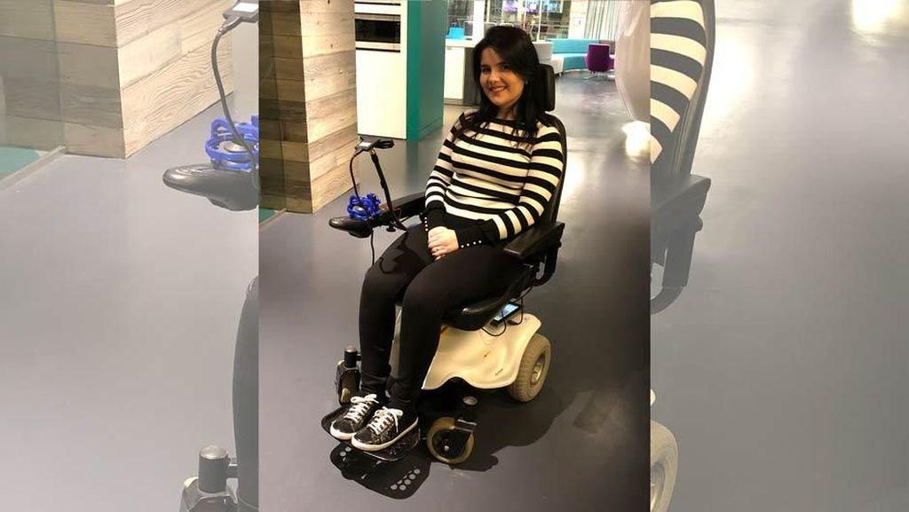 Kursi Roda Ini Bisa Dikontrol Pakai Ekspresi Wajah