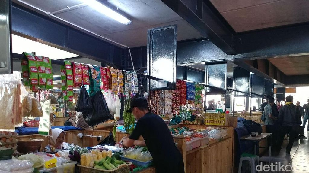 Tiga Tahun Diresmikan, Pasar Keren Sarijadi Masih Sepi Melompong