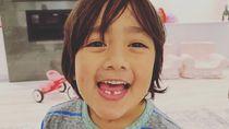 Sudah Pintar Jualan, 10 Anak Kecil Ini Lebih Kaya dari Kamu