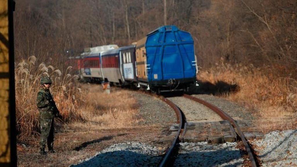 Perjalanan Bersejarah! Kereta Pertama dari Korsel ke Korea Utara