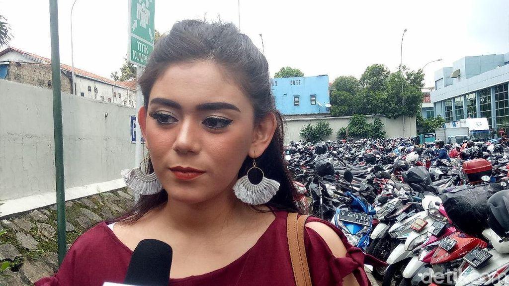 Terungkap Alasan Thalita Latief Jarang Posting Foto Suami