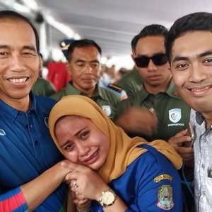 Viral, Ibu Hamil Ini Terharu Ngidamnya Ingin Bertemu Jokowi Terwujud