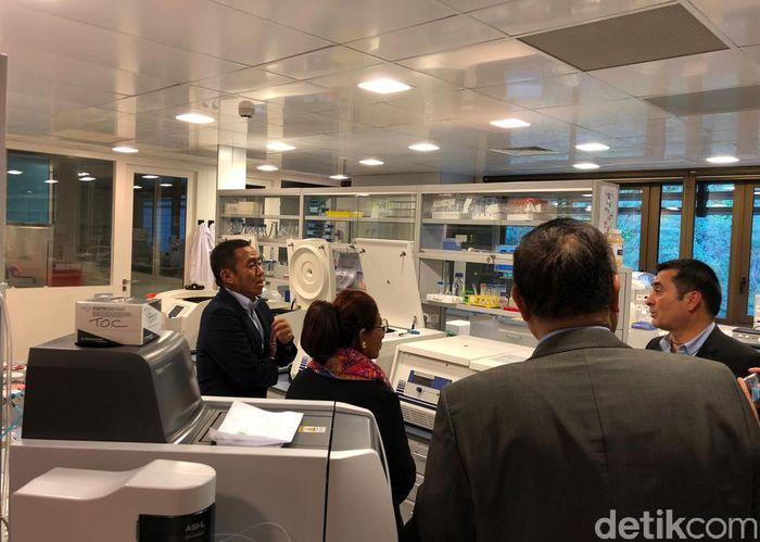 Di sela-sela lawatannya di Monaco, Susi berkunjung ke pusat ilmiah Monaco (The Scientific Center of Monaco).