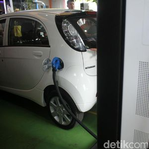 Aturan Kendaraan Listrik Tinggal Diteken Jokowi
