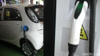 Hore! Tol Cipali Bakal Punya Stasiun Pengisian Baterai Mobil Listrik