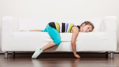 Anak Malas ke Sekolah Berpura-pura Sakit, Bunda Harus Bagaimana?