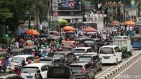 Panglima Laskar Pembela Islam (LPI), Maman Suryadi, mengatakan massa yang datang berasal dari Jawara Betawi, FPI, LPI, dan majelis taklim yang ada di Jabodetabek. Dia mengatakan aksi ini untuk mendukung Habib Bahar.
