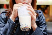 Tak Usah Takut Gendut! Kini Ada Jasa Peminum Bubble Tea Bayaran