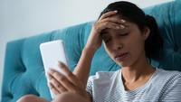 Momen Haru Istri Lihat Suami Meninggal karena Covid-19 Lewat Video Call