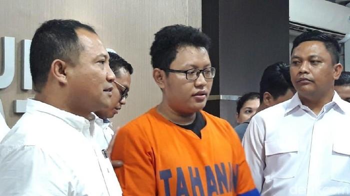 Mahasiswa S2 Fakultas Hukum Unair, M Yusuf, yang menyebarkan video bugil mantan pacar. Foto: (Hilda-detikcom)