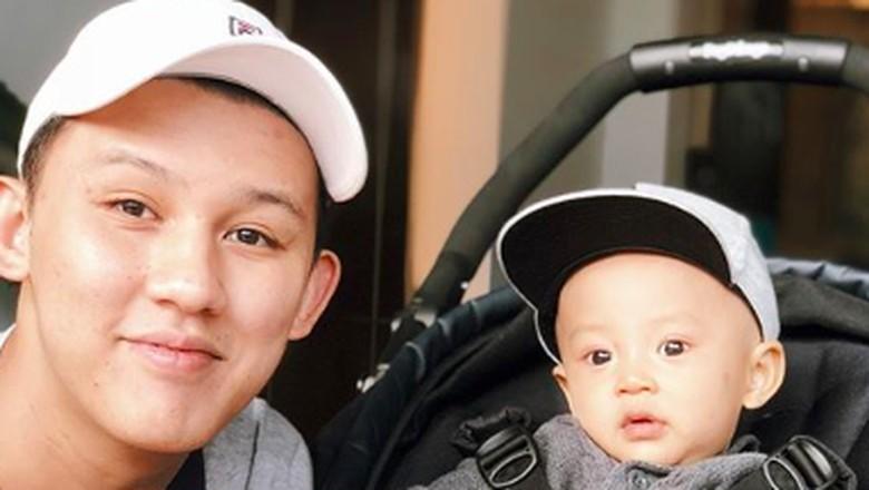 Jevin Julian dan putranya, Nord Kiano Julian/ Foto: Instagram