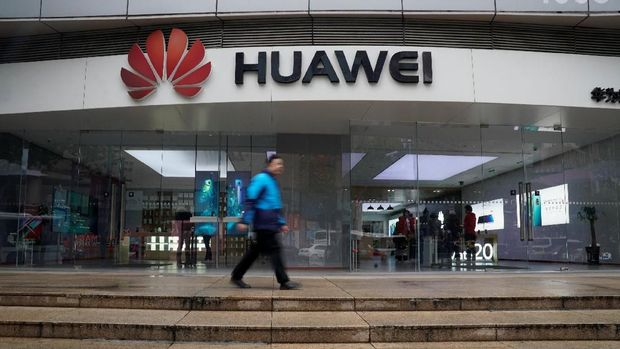 Bos Huawei Sebut Donald Trump Presiden Hebat, Tapi...