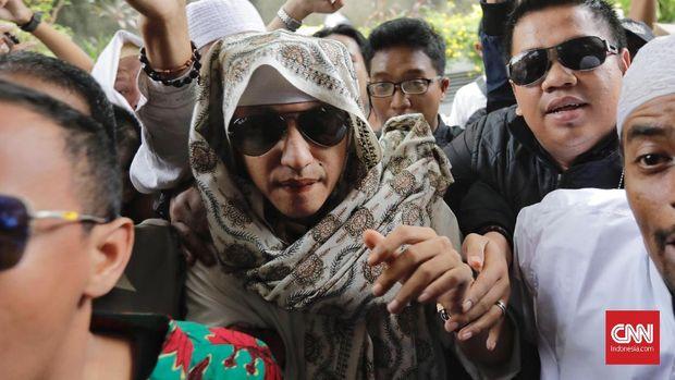 Jokowi Respons Bahar bin Smith: Memukuli Orang, Urusan Polisi