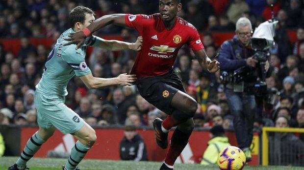 Jose Mourinho mengungkapkan alasan tidak memainkan Paul Pogba sebagai starter. (