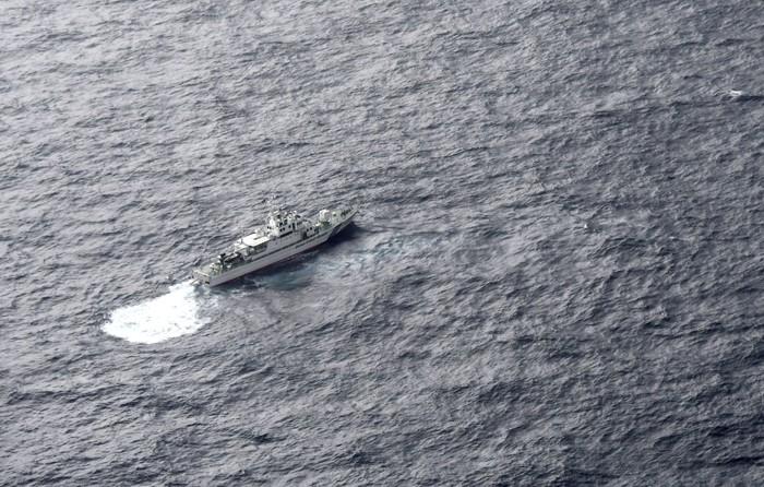 Kapal penjaga pantai Jepang cari korban hilang kecelakaan pesawat militer AS (Foto: Mandatory credit Kyodo/via REUTERS)
