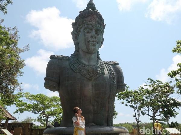Patung Wisnu ini sendiri terdiri dari 24 segmen dan 754 modul dari tembaga dan kuningan (Bonauli/detikTravel)