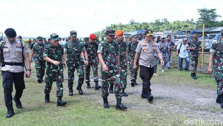 7 Pekerja Korban Penembakan KKB yang Selamat Dievakuasi ke Timika