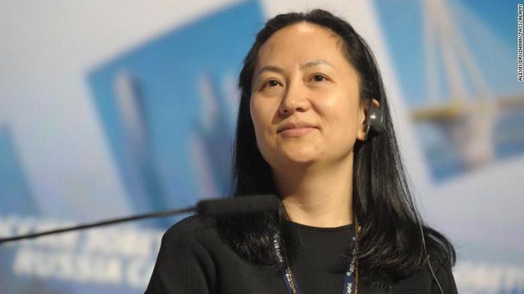 Penangkapan Meng Wanzhou didasari permintaan pemerintah Amerika Serikat terkait pelanggaran yang dilakukan Huawei. Foto ini diambil tahun 2014, ketika Meng Wanzhou hadir dalam sebuah forum di Rusia. (Foto: REUTERS/Alexander Bibik)