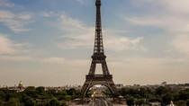 Dijual Bagian Asli Menara Eiffel Hampir Rp 1 Miliar, Mau Beli?