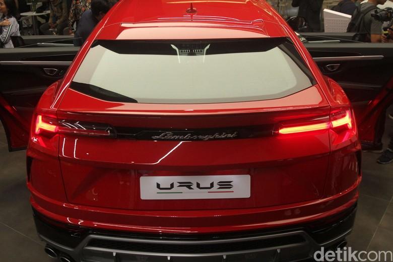 Lamborghini Urus. Foto: Rifkianto Nugroho
