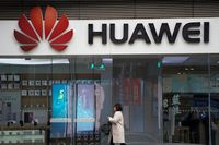 Hakim Gantung Permohonan Penangguhan Penahanan CFO Huawei