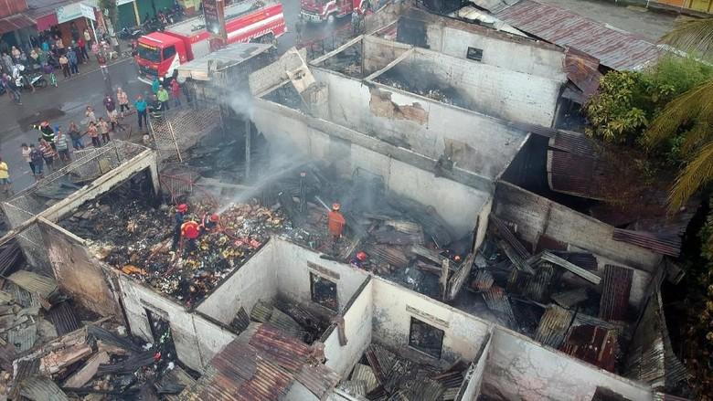 Ngerinya Pasar Simpang Tabing Padang Ludes Terbakar