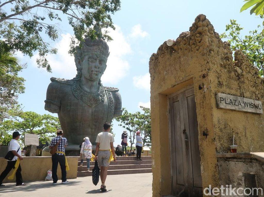 Wagub Bali Temui Menpar Bahas Polemik Zero Dollar Tour