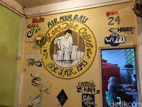 Asyiknya Ngopi Khas Belitung di Kedai Kopi Legendaris Kong Djie