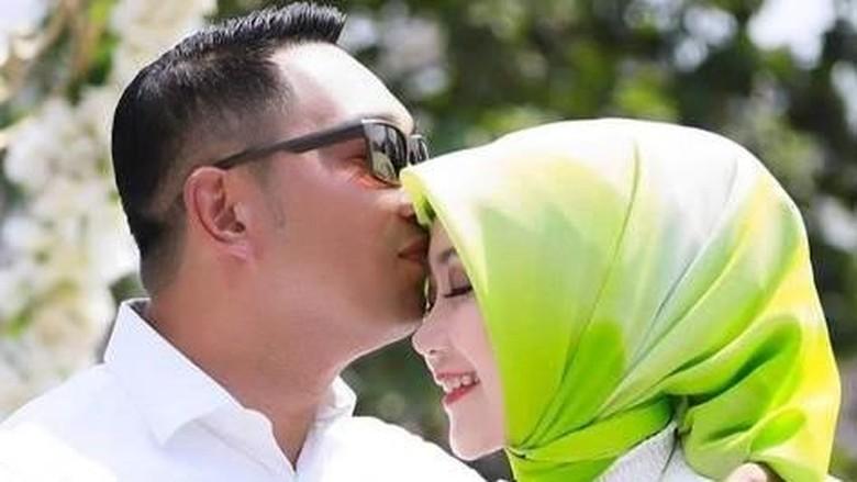 Ridwan Kamil dan istri merayakan ulang tahun pernikahan/ Foto: Instagram @ataliapr