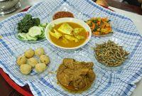 Bedulang, Tradisi Makan Khas Belitung untuk Kebersamaan