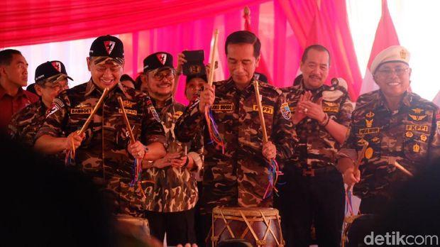Presiden Jokowi membuka jambore kebangsaan bela negara keluarga besar Forum Komunikasi Putra Putri TNI-Polri (FKPPI).