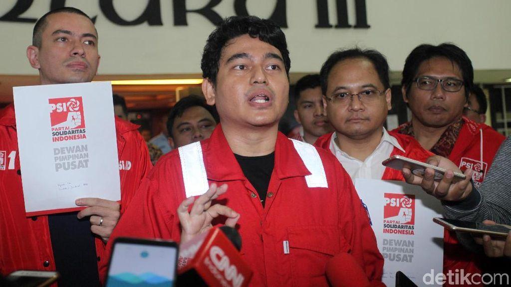 Kader PSI Sambangi DPR