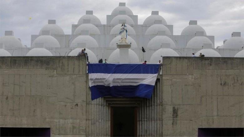 Pastor di Nikaragua Disiram Air Keras Saat Ritual Pengakuan Dosa