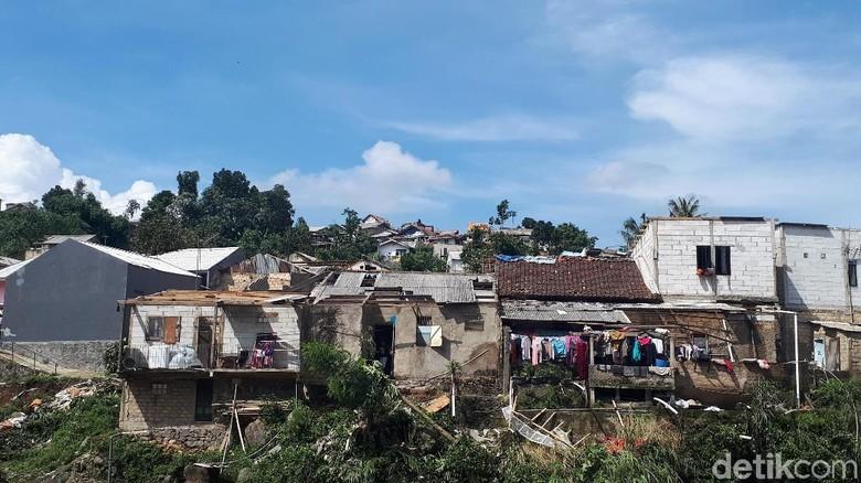 Potret Lawanggintung Bogor Porak Poranda Diterjang Puting Beliung
